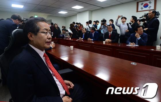 바른정당 의원들 만난 홍준표