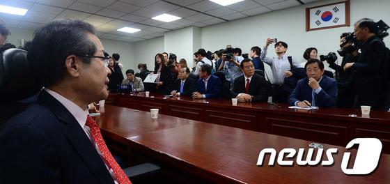 홍준표 찾아간 바른정당 의원들