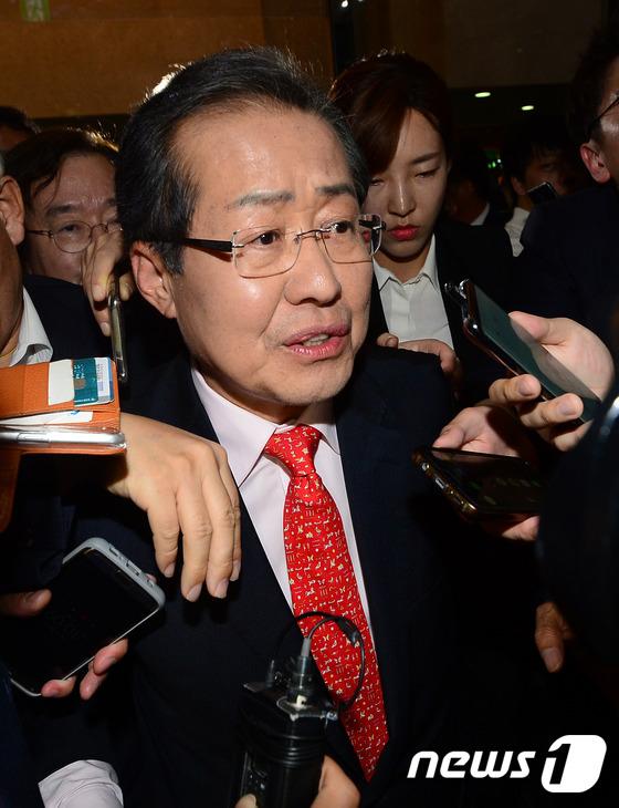 바른정당 의원들 만나고 나서는 홍준표