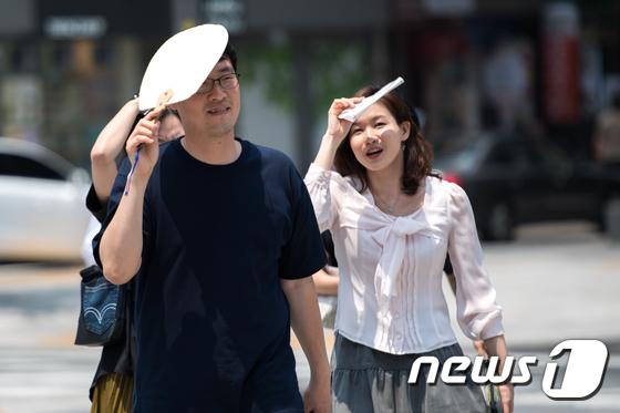 [폭염건강②]땀을 흘린 후 갑자기 어지러움 … '기립 성 저혈압'발생주의