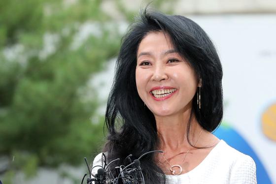 """김부선 """"봉준호 감독님, 차기작에 저 어때요? 사고 안칠게요"""""""