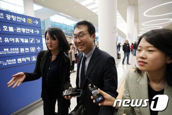 미·일과 논의 마치고 귀국하는 이도훈 본부장