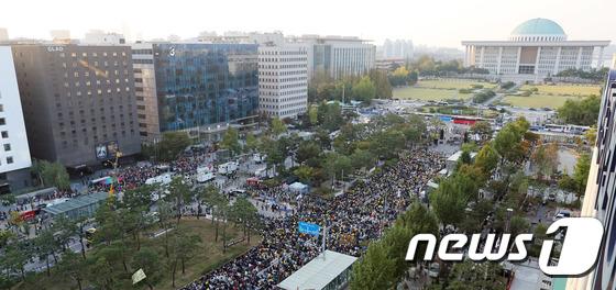 국회 앞에서 열린 검찰개혁 촛불문화제