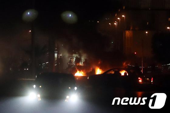 벤투호 레바논전 D-1, 반정부 시위에 불타는 베이루트 도로