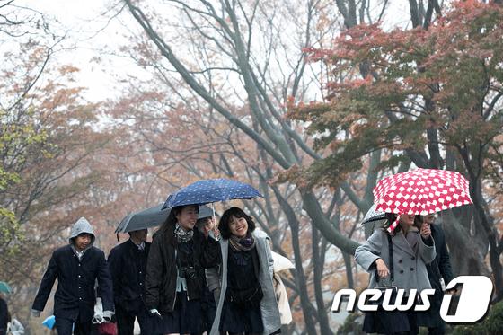 가을비 내리는 서울