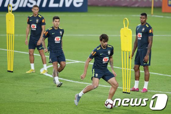 훈련하는 브라질 삼바군단