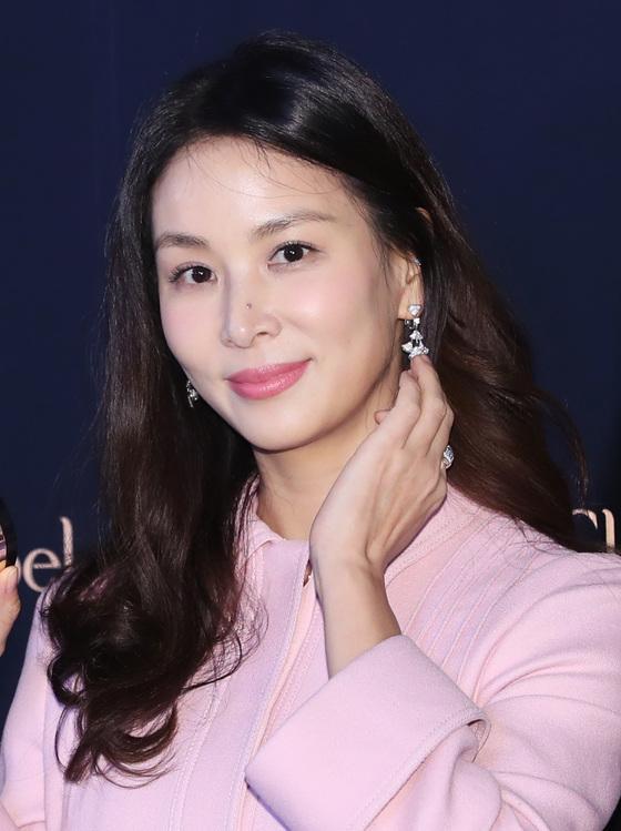 새하얀 눈밭 위 '소영'…'장동건♥' 고소영 한 달만에 근황 전해