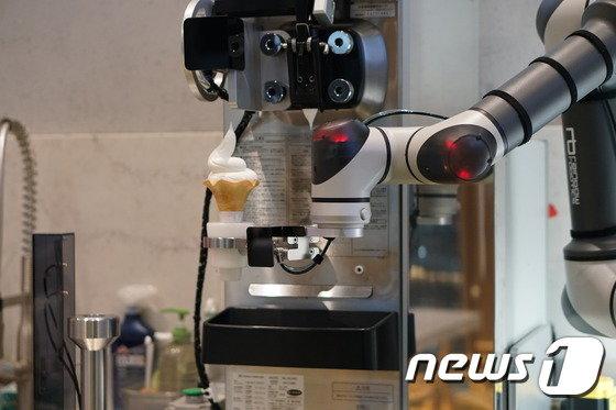 카페온더로드 협동로봇