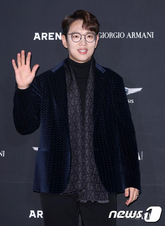 장성규, 대세남의 손인사