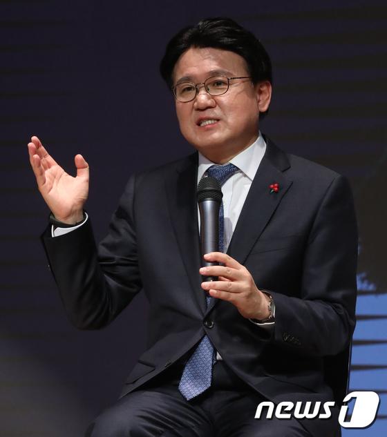 인사말하는 황운하 대전지방경찰청장