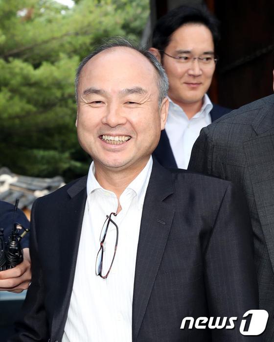 '지분 38 %'손정, 쿠팡 투자, 700 % 수익으로 21 조원 돌파