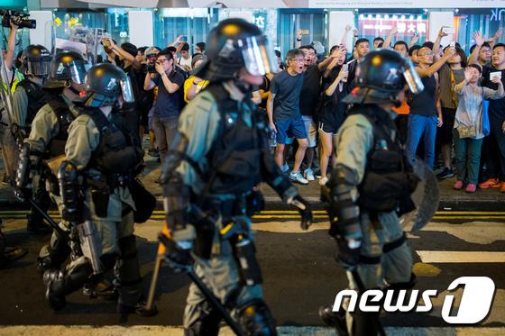中 무장병력 투입설…삼엄해진 홍콩 반정부 시위