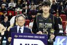 프로농구 '연봉킹' 김종규, 데뷔 첫 MVP? 허훈이 대항마…10일 투표 마감