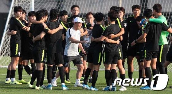 U-23 축구대표팀 \'즐거운 분위기\'