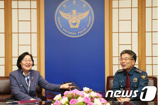 협력방안 논의하는 이정옥 장관과 민갑룡 경찰청장