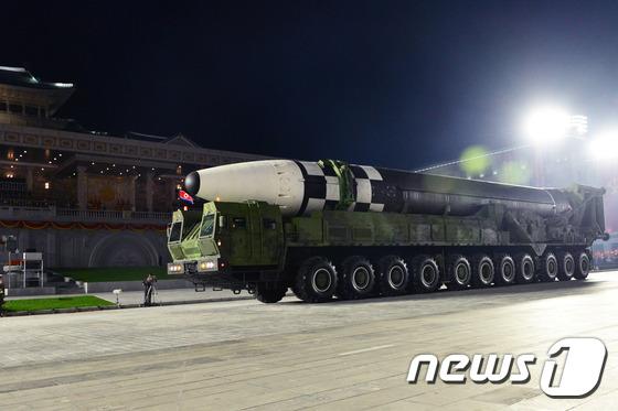 """미군 사령관 """"북한은 곧 개선 된 ICBM 비행 시험을 실시 할 것"""""""