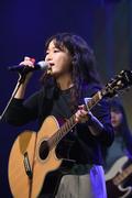 청춘대학가요제서 열창하는동덕여자대학교 신소이벤트팀