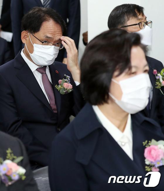 추미애 장관 만난 \'윤석열 사단\' 박찬호 제주지검장