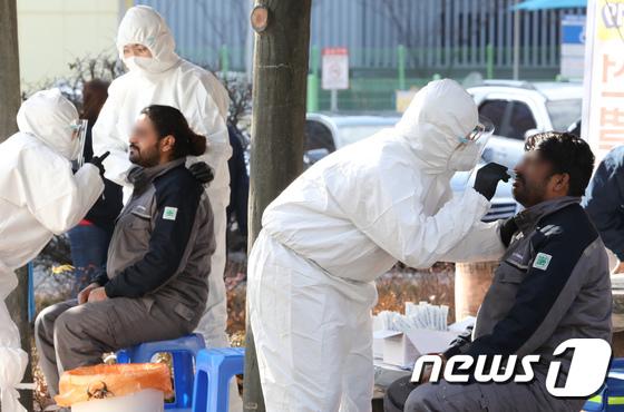 천안시, 외국인 근로자 4000여명 선제적 코로나19 검사