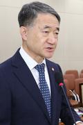 박능후 장관, 코로나19 관련 보고