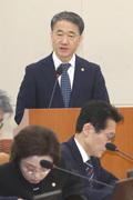 코로나19 관련 현안보고하는 박능후 장관