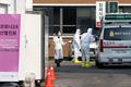 코로나 19 지역사회 침투 현실화 '분주한 의료진'