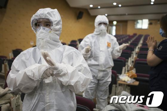 서울의료원 \'코로나19 전담병원\'으로 전환, 대응에 총력
