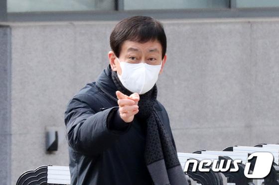 3차 우한 교민 퇴소 점검 마친 진영 장관