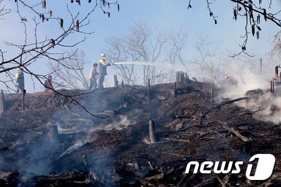 인천 연수구 연경산 화재...해군 사격장까지 번져