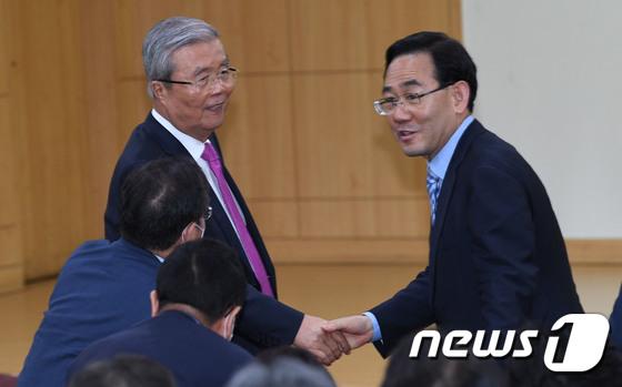 닻 올리는 김종인 비대위, 통합당 살릴 비책은?
