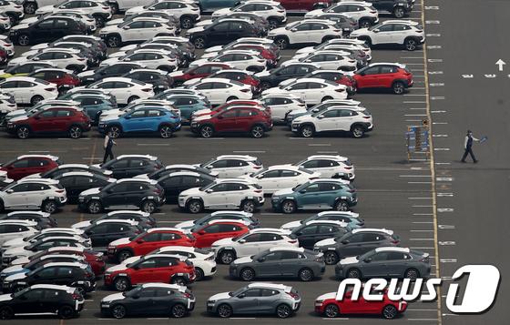 '코로나 쇼크', 5월 수출액 23.7% 감소