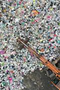 처리되는 재활용품들