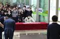 화장터 들어가는 박원순 서울시장 운구행렬