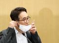 '마스크 벗는 박선호 국토부 1차관'