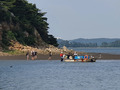 인천해경, 동검도 고립 13명 민간 어선 이용 구조