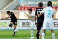 성남 양동현 '상대 문전 향해'