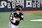 LG, 롯데 잡고 3연패 탈출…'9승' 요키시· 알칸타라 다승 공동 선두(종합)
