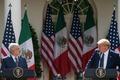 [사진] 기자회견하는 트럼프와 멕시코 대통령