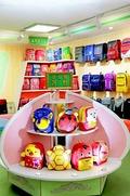 북한 신의주가방공장에서 생산한 어린이 가방들