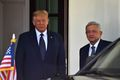 [사진] 오브라도르 멕시코 대통령 마중나온 트럼프