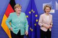 [사진] 자연스럽게 포즈 취하는 메르켈과 EU집행위원장