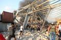 [사진] 폭격 맞은 듯한 베이루트 폭발사고 현장