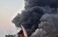 [사진] 검은 연기 뚫고 베이루트 폭발 진화하는 헬기