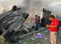 [사진] 베이루트항 폭발사고 충격에 뒤집어진 차량들