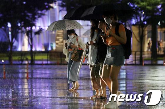 서울 전역 호우주의보… 10일 새벽까지 중부 \'많은 비\'