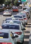 멈춰선 택시 '코로나19 전보다 22% 운행 감소'