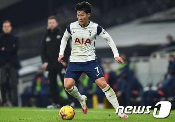 """손흥 민 """"이제 축구에 집중하면 … 은퇴 후 결혼 34 세 정도"""""""