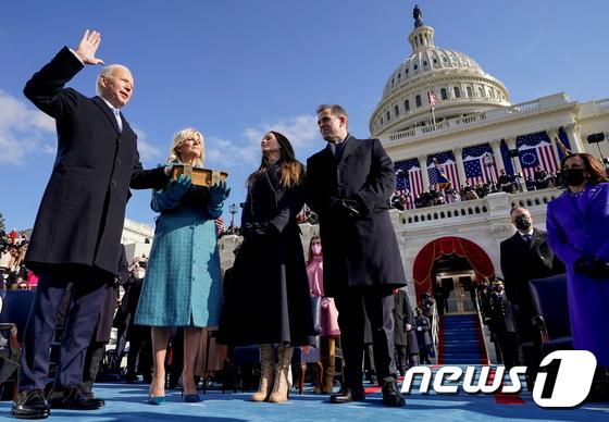 조 바이든 美 대통령 취임...\'바이든 시대 개막\'