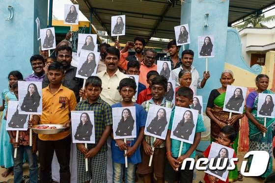 어머니의 고향 인도 축제 분위기, 카말라 해리스 개막