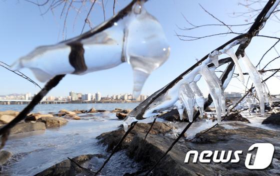 새해 첫 출퇴근 추위 영하 15도 … 중부 및 경북 내륙 한파 소식